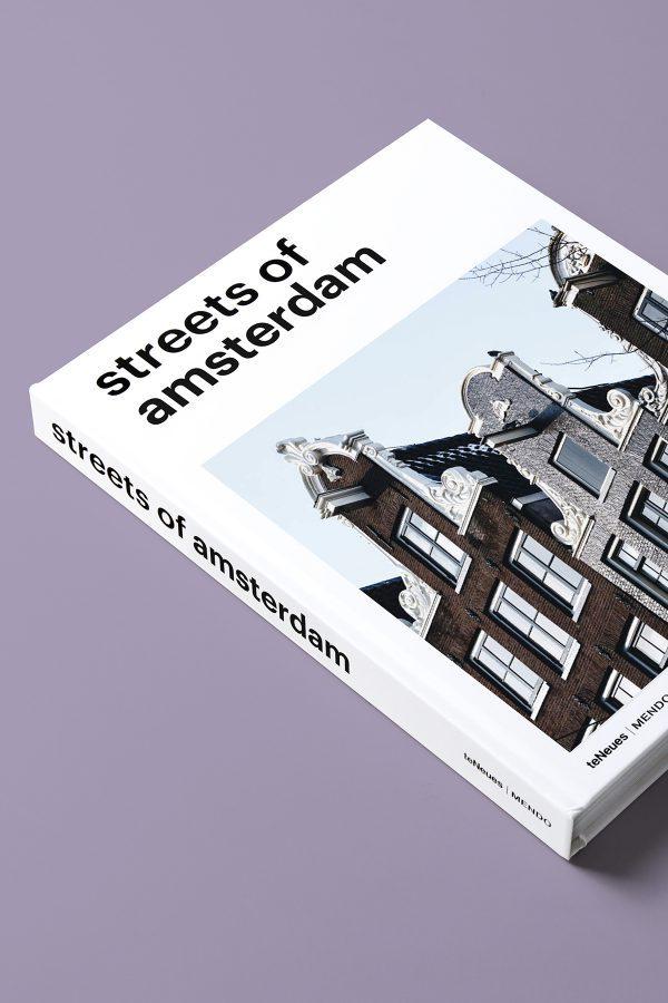Streets of amsterdam boek