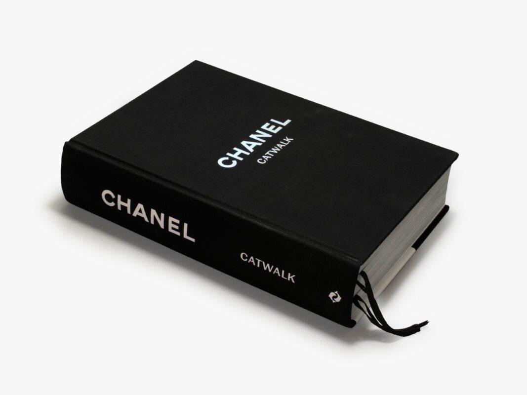 Scoor nu je Chanel Catwalk tafelboek